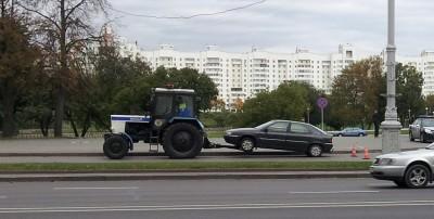 """Трактор """"Беларусь"""" - эвакуатор ДПС в Минске!"""