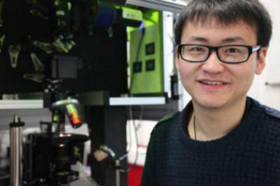 Китайское лицо британских ученых, открывших технологию записи информации на кварцевый носители