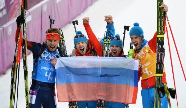 Феерическая победа мужской биатлонной сборной России в эстафете. На последнем этапе Антон Шипулин сделал всё, чтобы не отдать золото соперникам!